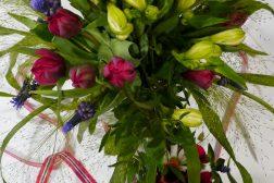 Alstromeriabukett med tulipaner
