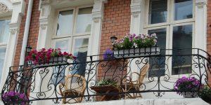 Balkongen gir spennende muligheter for frodig blomstring