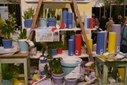 Grip malerkosten, også blomsterkrukker kan trenge litt farge!