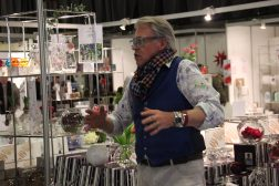 Finn Schjøll feirer julestjerner