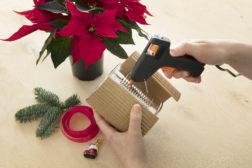 I-siste-lite-julegaven, lag en enkel blomsterpotte til julestjernegaven, trinn 2