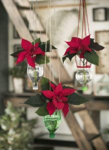 Ampler med julestjerner: Gjenbruk av plastflasker
