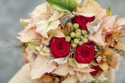 2016 Julestjerne brudebukett i fersken og rødt