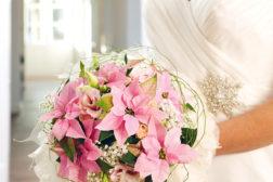 Brudebukett med princettia julestjerner