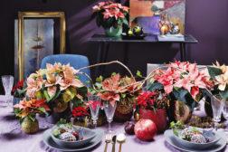 Festlig dekorert julebord med julestjerner