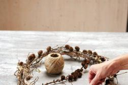 Lag en hengende adventskrans: Trinn 1