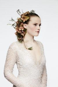 Blomsterdekorasjoner til vinterbrudens hår